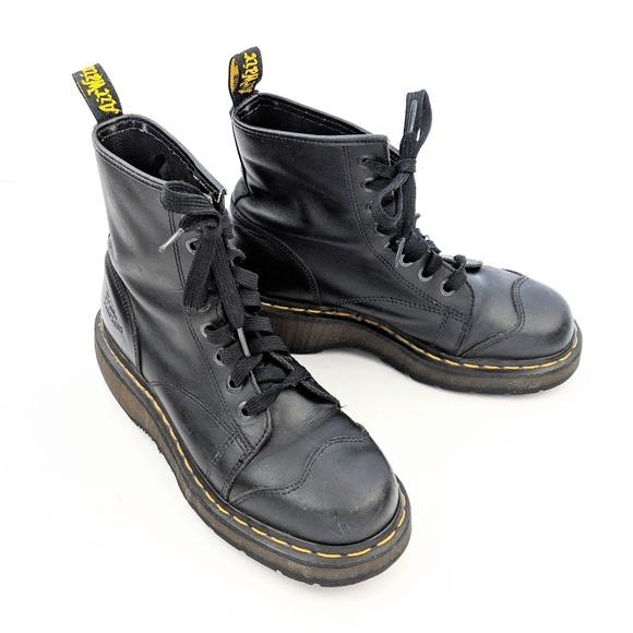 Dr. Martins Black 8 Eye Airwair Vintage 90s Boots